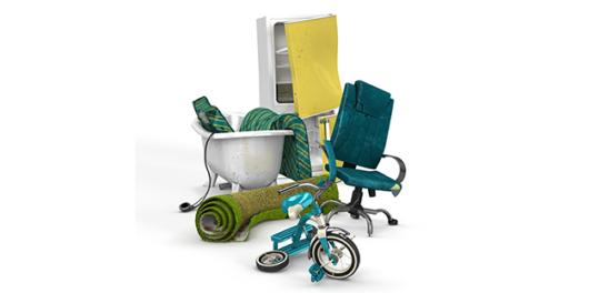 Badkar, kylskåp, stol