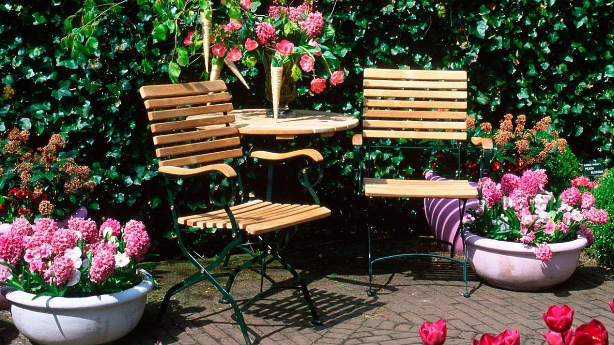 Få dina trädgårdsmöbler att hålla längre