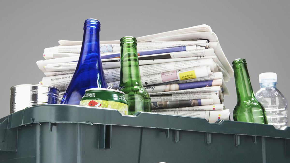Förpackningar och tidningar